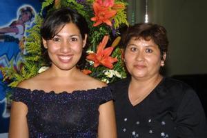 Verónica Ramírez Valadez y Rocío Claro Carrillo.