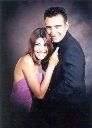 Señorita Laura Eunice Torres Olivares y señor Daniel Rauda contraerán matrimonio el 18 de julio.