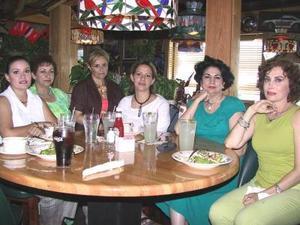 Claudia Silva, Tere Myar, Guadalupe Valdés, Mónica Treviño, Gabriela Sáenz y Martha Orduña.