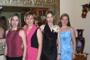Leticia Villa, Anna Villa, Angélica de Sakoda y Elsa de Contreras.