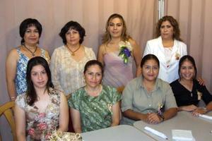 Sandra Julia Festejó en compañía de sus familiares y amistades su cercano enlace matrimonial.