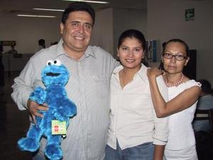 Blas Espeleta y Nancy de Espeleta se trasladaron a Tijuana; fueron despedidos por Norma de Márquez.