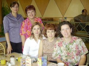 Sonia de Sanz, ALma Ortiz, Malu de López, Mamsusi de Herrera y Claudia Von Bertrab.
