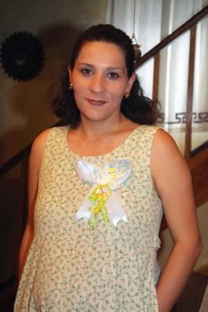 Edna Morayma Gómez de Orona espera el nacimiento de su bebé