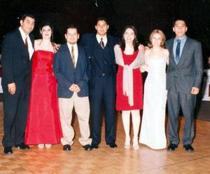 Néstor Fraga, Itzel de Praga, Eblhin Rojo, César romo, Jeaneth García y León Lira.