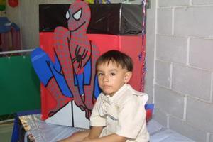 Niño Edson Alain Cheang González, el día que cumplió tres años.