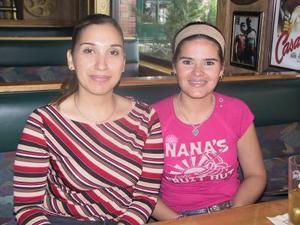 Verónica Corral y Salma Sabag.