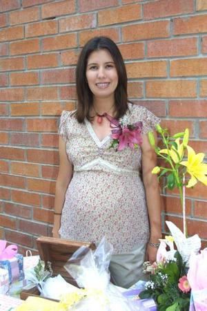Brenda Lavín de Ríos fue homenajeada con una fiesta para su bebé.