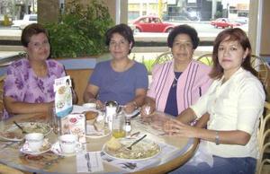Carmen Castellanos, Carmelita Romero, Bety Prieto y María Isabel Najera.