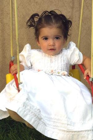Andrea Valeria Arredondo Pérez celebró su primer año de vida y el haber recibido el sacramento del bautismo.
