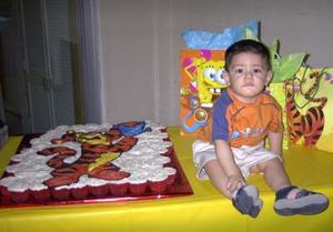 Por su primer año de vida, el niño Josué Fernando tuvo una divertida fiesta ofrecida por sus papás Carlos Eduardo Romo y Liliana Sánchez Gutiérrez