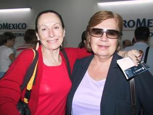 Pilar Rioja retornó a México, luego de asistir a la inaguración del Centro de Iniciación a las Artes, la despidó Avelina de Muguerza.
