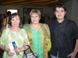 Retornó a México Consuelo Lomelí de Alcántara y Rolando Gutiérrez.