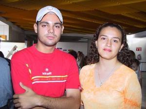 Rosa Bertha Valadez Sánchez se trasladó a Mazatlán la despidió su primo Iván Verano Sánchez