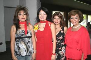 Sharon Lee Chibli en compañía de sus hermanas Katy Lee de Zarzar, Karime Lee y Perlita Lee de Pérez, durante su despedida de soltera