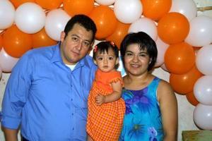 Muy contenta se mostró Ana Caldera Solís en la fiesta que le ofrecieron por su primer año de edad, sus papás Sergio Caldera Prado y Ana Solís de Caldera.