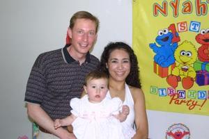 Nyah Stephanie Pielmier celebró su onomástico, y por ello fue festejada por sus papás Kevin Pielmier y Cecilia de Pielmier.