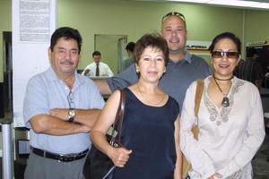 Armando Barajas, Gloria de Barajas, Ricardo Álvarez y Gaby de Álvarez viajaron a Tijuana