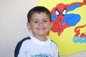 Luis Alberto Mena Cuéllar festejó su tercer cumpleaños, es hijo de los señores Fernando y María de Jesús Mena.