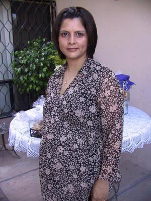 Blanca González de Silva, en la fiesta de canastilla que le ofrecieron recientemente