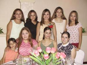 July Salazar fue festejada por su cercano matrimonio, alguinas de las invitadas fueron, Claudia Salazar, Anahí Castillo, Ana Herrera, Elizabeth Olivares, Adelaida García, Marcela García, Marcela Ibarra y Bety Rincón.
