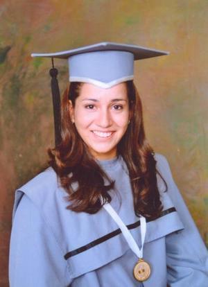 Srita. Cecilia Inés Calderón Ibarra terminó satisfactoriamente sus estudios de Bachiller en la UAL.