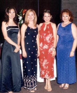 Cristina Gurrola  de Delgado, Mónica Campillo, Olalla Romo y Corina Hoyos, capatadas en el banquete de boda de Víctor Manuel Ramos y Rosy Gurrola.