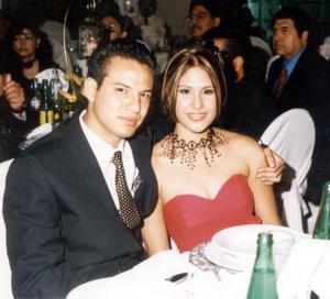 Jorge Ricardo Jiménez Calvo y Verónica Rocío Ávila Woo, en el banquete de boda de Gustavo Ávila y Érika Haydeé Rivas