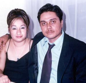 Jose Luis Hernández y Norma Isela de Hernández.