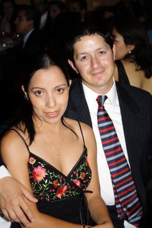 Myrna de Lozano y Sergio Lozano.