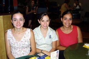 Alejandra Solís, Alejandra Galán y Maricarmen Chávez.