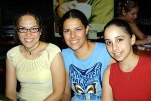Perla Alfani, Véronica Santos y Georgina Cassani.