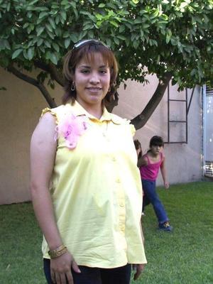 Blanca Cárdenas de Arratía, en la fiesta de canastilla que le organizaron Susana, Bety y Tere Arratia.