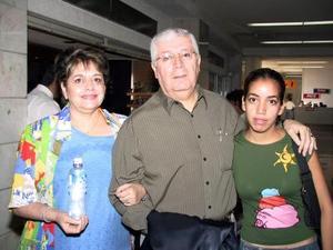 Margarita del Río y Javier del Río se trasladaron a Tijuana en plan vacacional, fueron despedidos por su hija Margarita del Río.