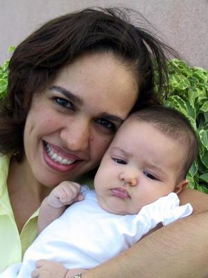 Lucy Mireles de Duchanoy con su hija Paulina Duchanoy Mireles.
