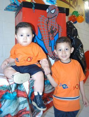 Luis Fernado y Héctor Andrés García Alaniz celebraron su primero y cuarto cumpleaños respectivamente con un convivio.