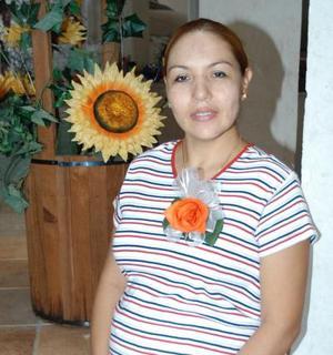 Graciela de Espinoza fue captada el día que le ofrecieron una fiesta de canastilla con motivo del cercano nacimiento de su bebé