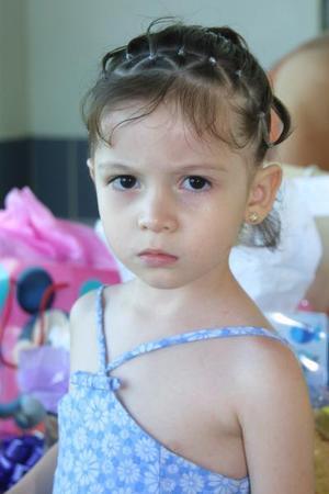 Camila Castañeda festejó en días pasados sus tres años de edad, es hija de los señores Juan Castañeda y Valeria Palacios