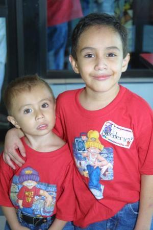 Federico y Daniel Bernabé Acosta cumplieron seis y tres años de edad respectivamente, los fetejaron sus padres Federico y Beatriz Bernabé.