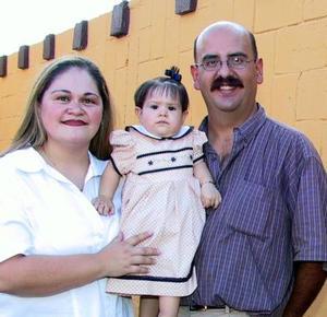 Un año de vida cumplió Andrea Mota Soto, por ello sus padres Gerado Mota y Sandra S. de Mota, le organizaron una fiesta infantil.