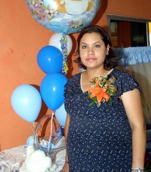 Argentina Dovalí de Núñez en la fiesta de canastilla que le organizó María del Rosario Torres Dovalí.