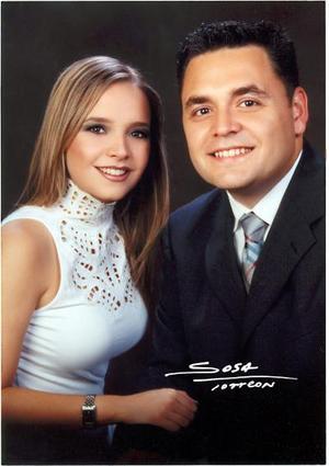 Lic. Carlos Manuel Mijares Alvarez y Srita Alejandra Nahle Zarzar efectuaron su presentación religiosa en la parroquia de San Pedro Apóstol el 11 de julio de 2003.