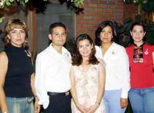 Zaira E. Padilla Ortiz y Omar H. Vázquez Domínguez fueron festejados con una despedida de solteros con motivo de su boda a celebrarse el dos de agosto, los acompañan Yolanda, Regina y Adriana.