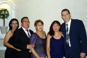 Adriana HInojosa Guzmán, José Hinojosa Martínez, Francisca Estela de Hinojosa, Mary Silerio de Camarillo y Jesús Camarillo Hinojosa