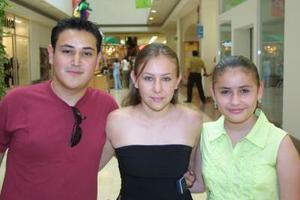 Alejandro Guerra, Rocío Galván y Ana Garza.