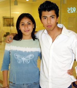 José Rodríguez Santoyo y Cynthia Martínez Reyes captados recientemente.