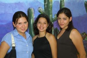 Lucero Albarrán, Perla Saláis y Mariana Ramírez.