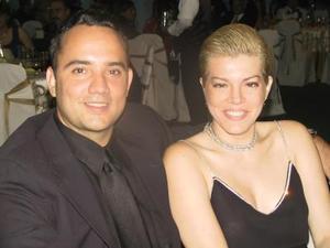 Donaciano Garza Villarreal y Gloria Elena de León Garza.
