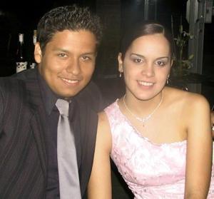Eduardo Bernal y Brenda Todd.