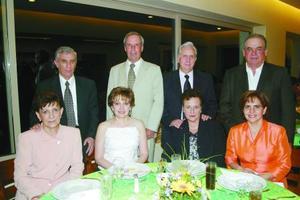 Saúl Gómez, Beatriz de Gómez, Eduardo Herrera, Teresa G. de Herrera, Juan Tinoco, María Elena de Tinoco, Ignacio Martínez.
